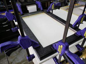 Glue-frame-corner