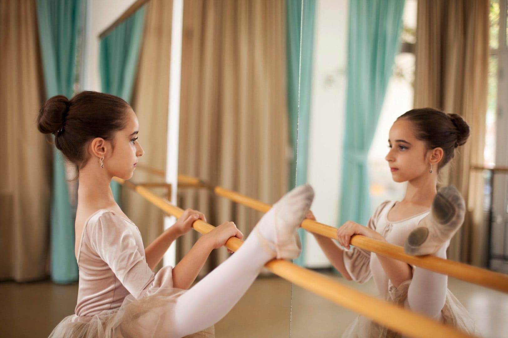 mylar-mirror-ballet